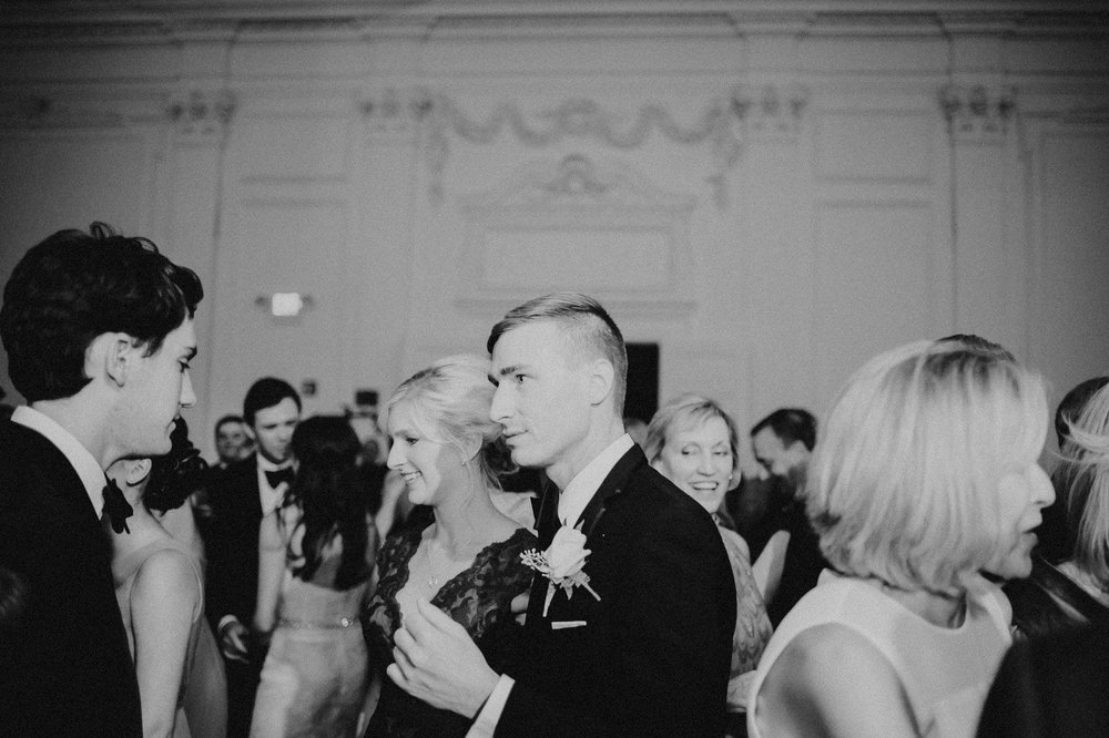 downtown-club-philadelphia-wedding-photographer-101.jpg