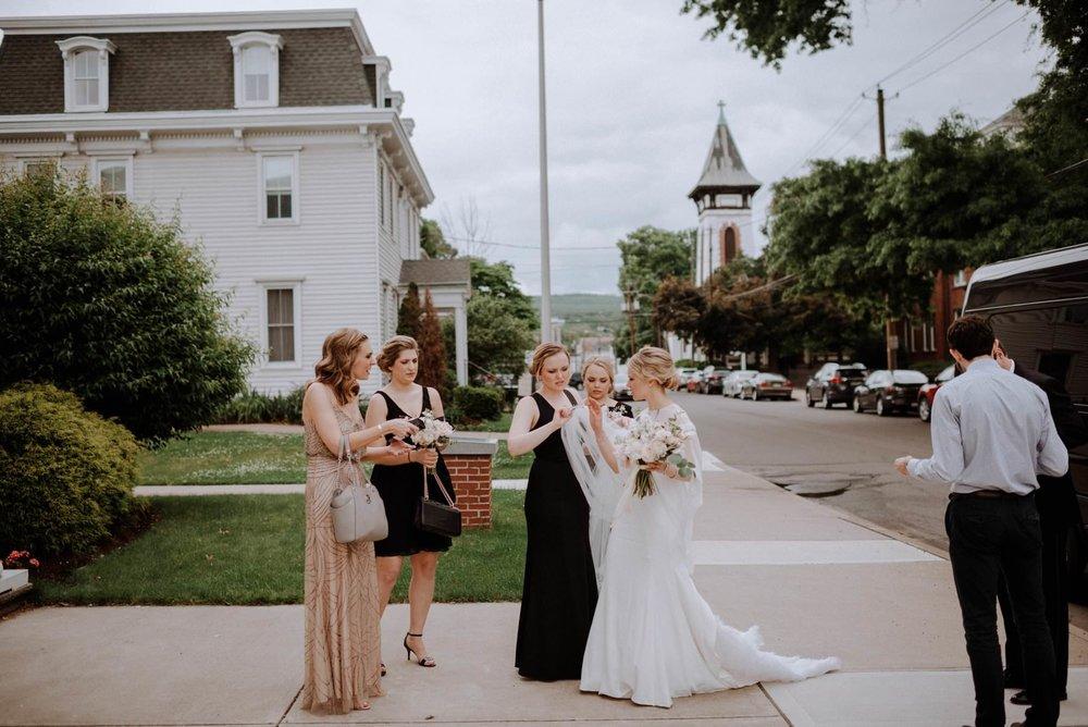 westmoreland_club_Wilkes_Berre_wedding-17.jpg