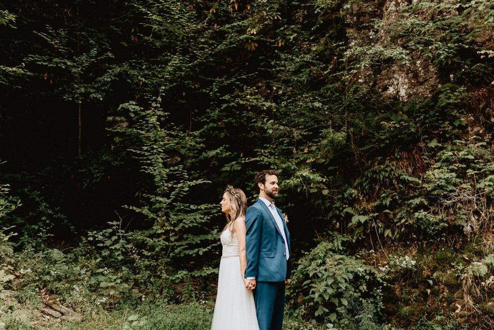 028-Tall-timber-barn-wedding-30.jpg