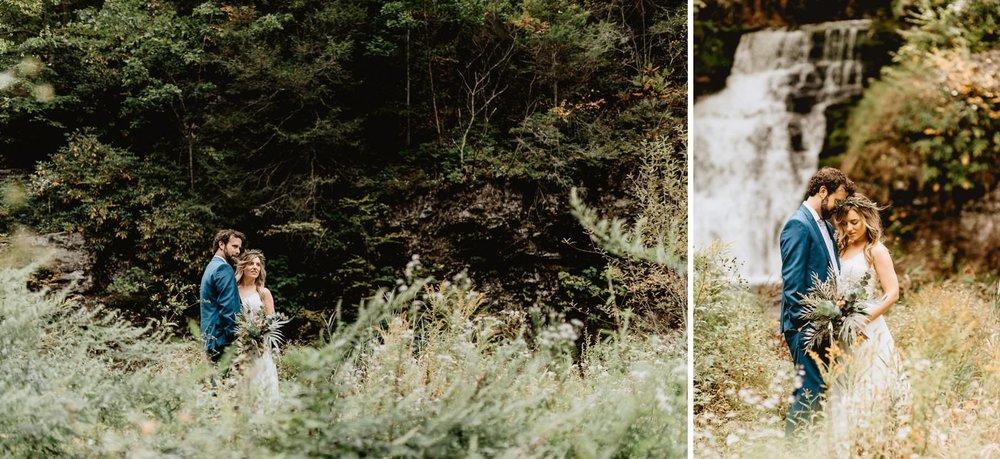 031-Tall-timber-barn-wedding-34.jpg
