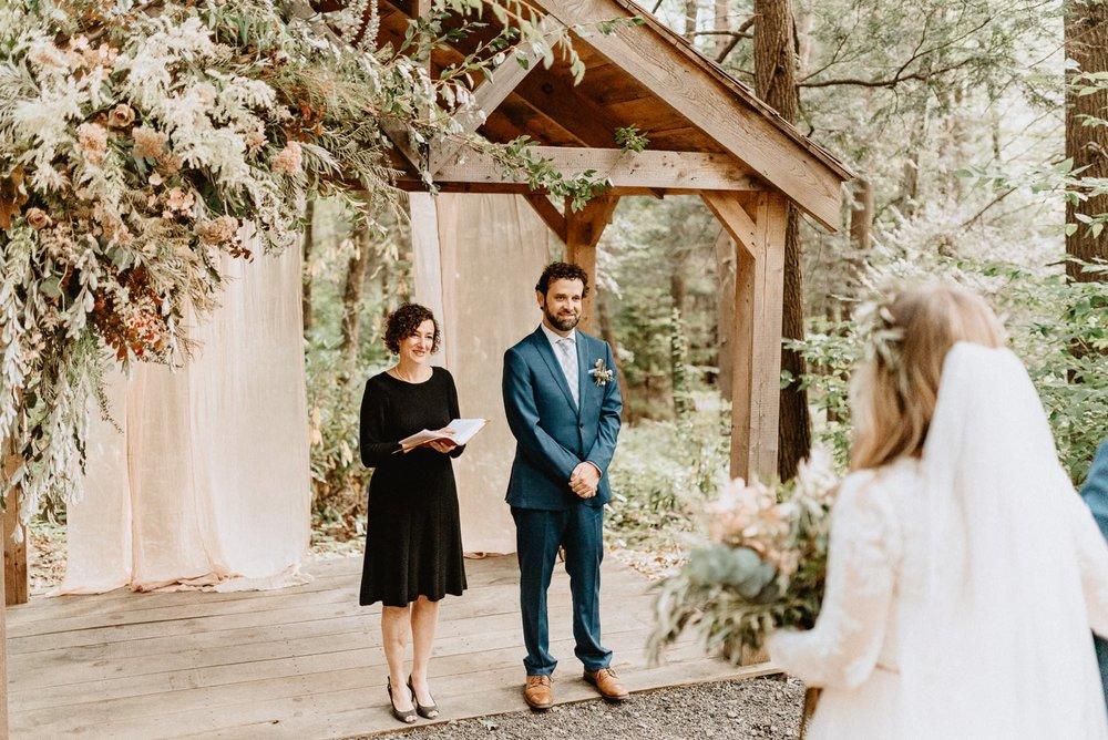 037-Tall-timber-barn-wedding-51.jpg