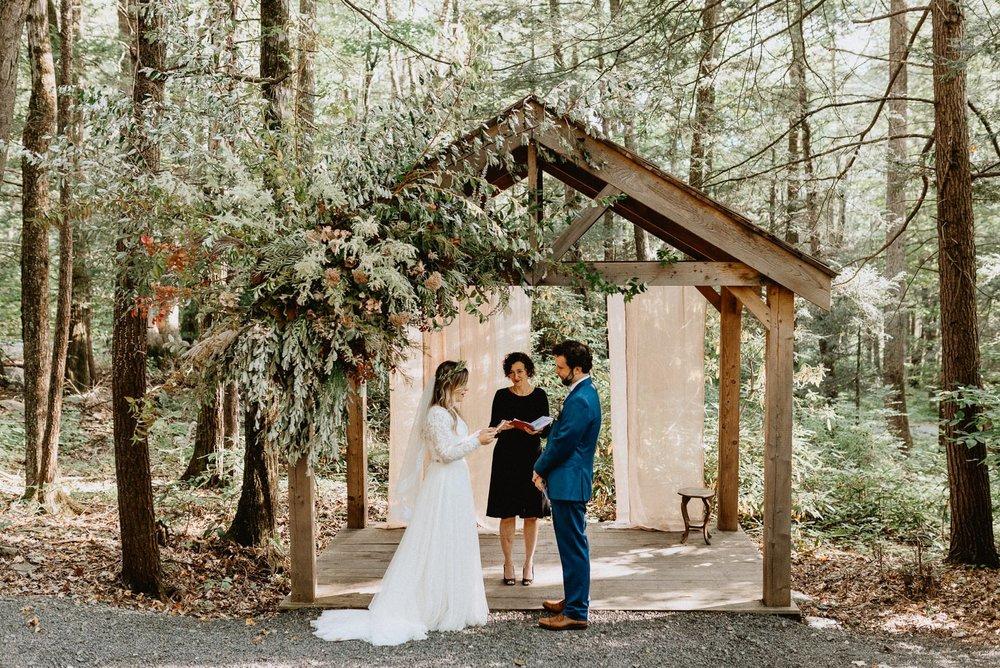 043-Tall-timber-barn-wedding-58.jpg