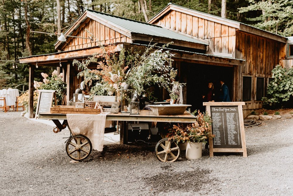 053-Tall-timber-barn-wedding-44.jpg