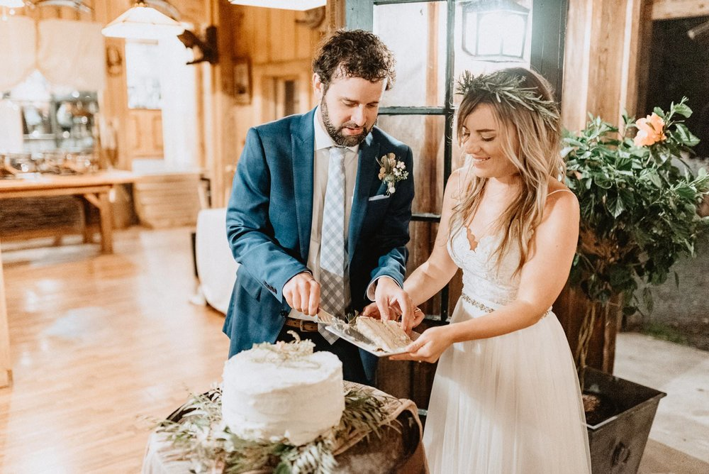 063-Tall-timber-barn-wedding-74.jpg