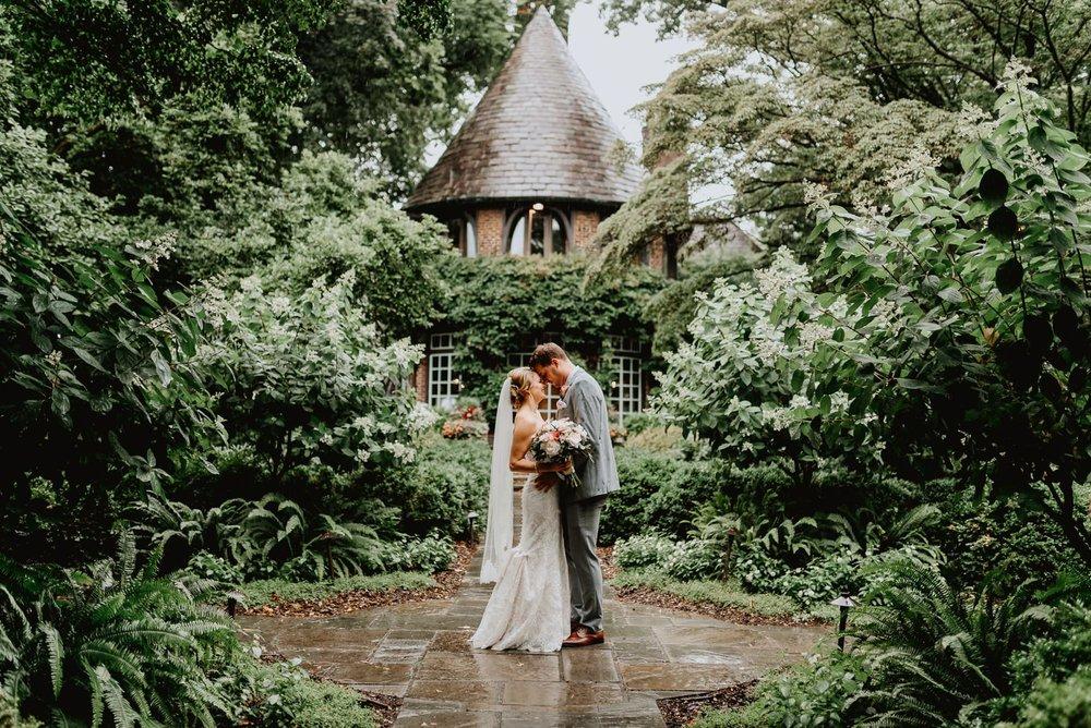 020-greenville_country_club_wedding-2.jpg