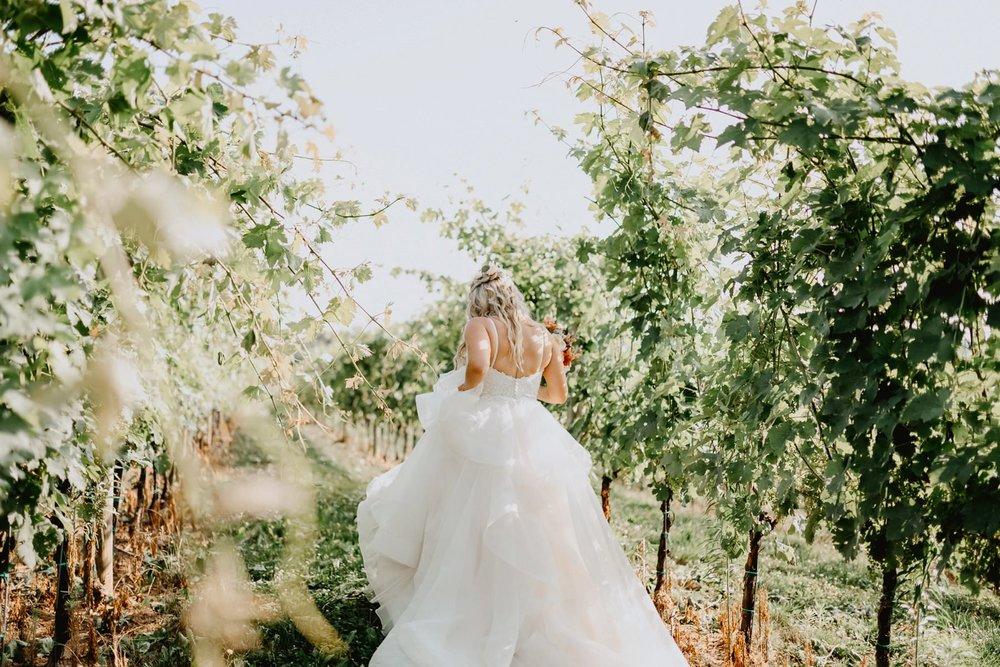 029-Chateau_Bu-De_Winery_wedding-5.jpg