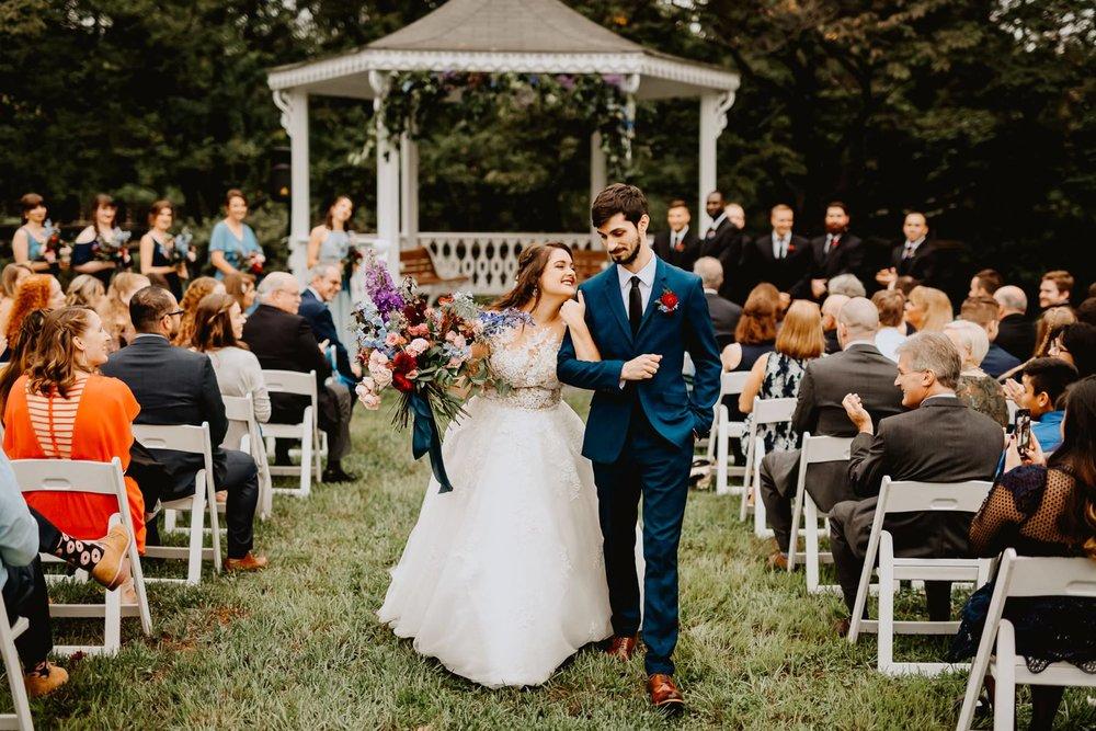086-bellevue_state_park_wedding-7.jpg