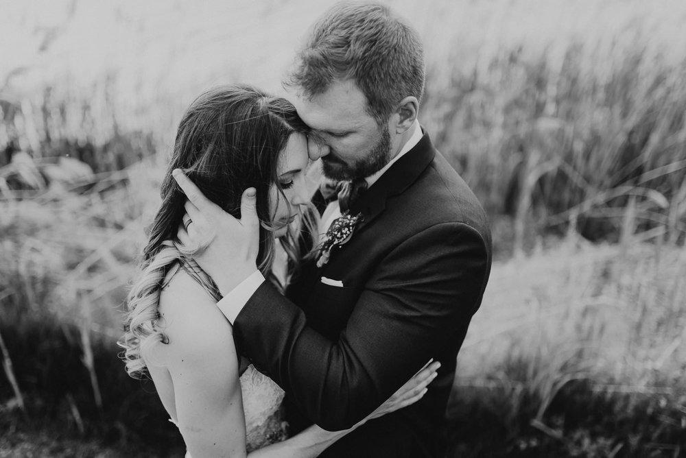 269-thousand_acre_farm_wedding-7.jpg