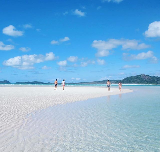 Dreaming of last weekend on these white sands ✨🌊 // #whitsundays #queensland