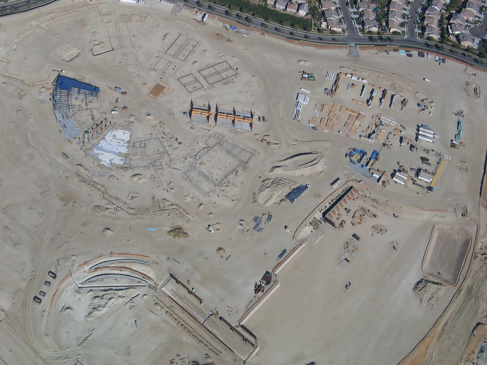 Early construction stage of Del Norte, total cost was $ 110 million, football stadium in the lower left corner.