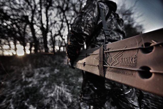 We love the versatility, the mobility, and the concealment from @faststrikeblinds  Visit www.faststrikeblinds.com and use promo code: SPRING2016 for spring turkey discount!  Click link in bio to view our spring teaser for Faststrike Blinds.  #OYOoutdoors | #hunting | #turkey | #spring