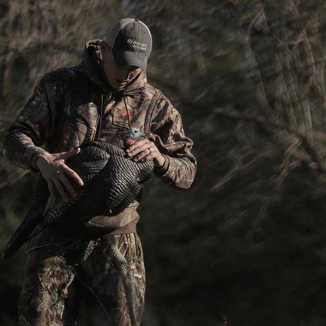 Deployment in Nebraska for evening hunt.  @shrewdarchery | @davesmithdecoys  #OYOoutdoors | #hunting | #decoys  PC: @maverick__dean