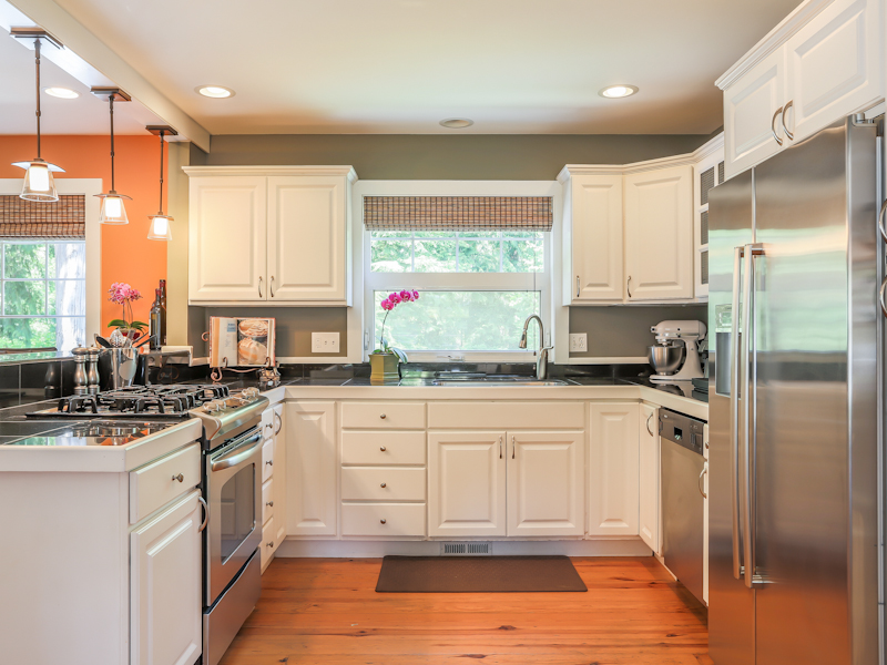 Bainbridge Island Real Estate New listing in Wing Point area