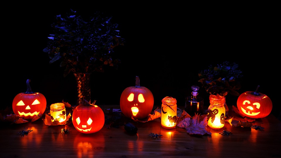 Pumpkin Walk at Bainbridge Gardens - October 13 & 14 from 6-8 pm