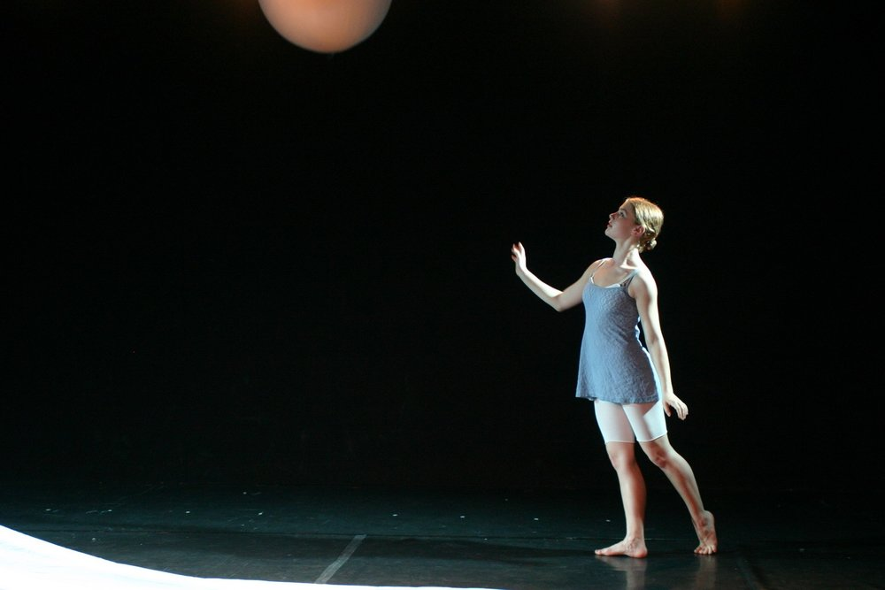 Lara Roberts in Pia Bouman's The Universe at Play