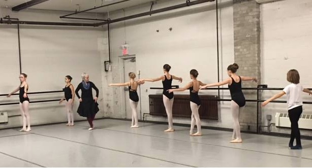 Pia and 7 dancers at the barre 2018.jpg