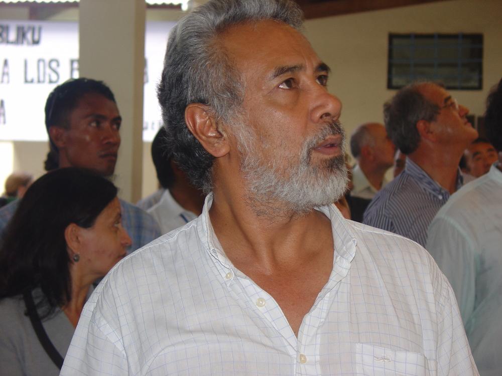 Xanana Gusmao iha serimónia enserramentu CAVR iha Balide, Outubru 2005
