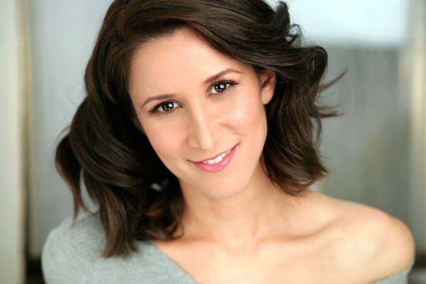 Laura Sisskin-Fernández Headshot.jpg