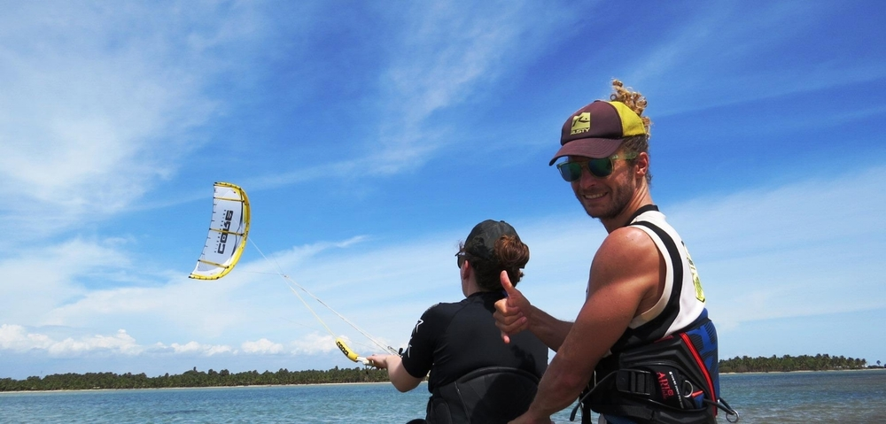 VDWS & IKO qualified instructors during your kite holidays in Kalpitiya