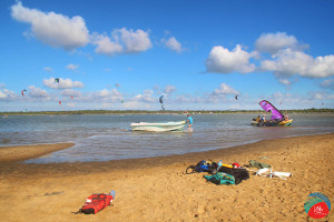 Best flat water for learning to kitesurf in Kalpitiya