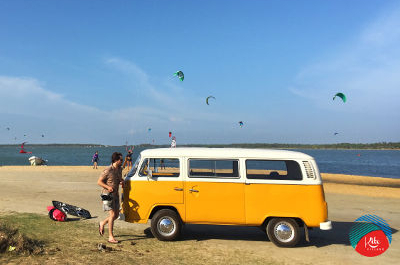 - Airport pikcup with a Volkswagen surf van