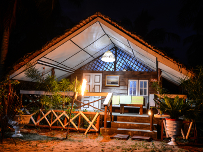 Ensuite cabana at night, under the stars