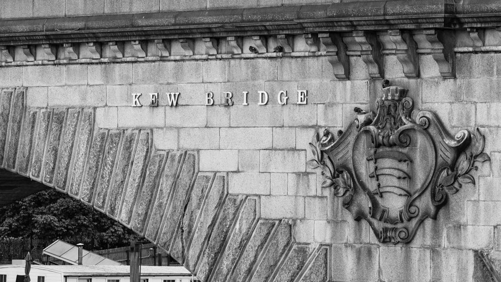 Kew Bridge close-up