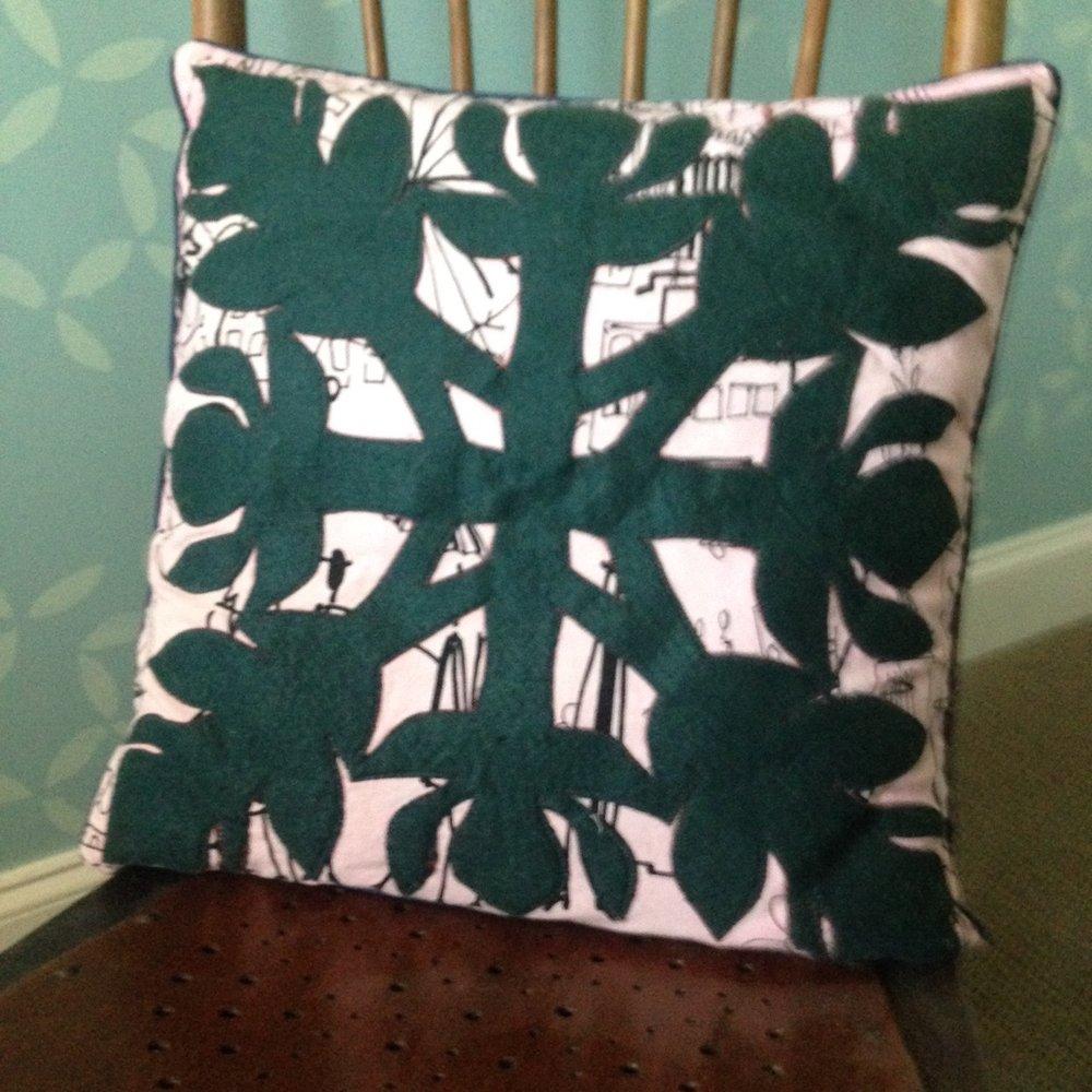Hawaiian applique pillow.