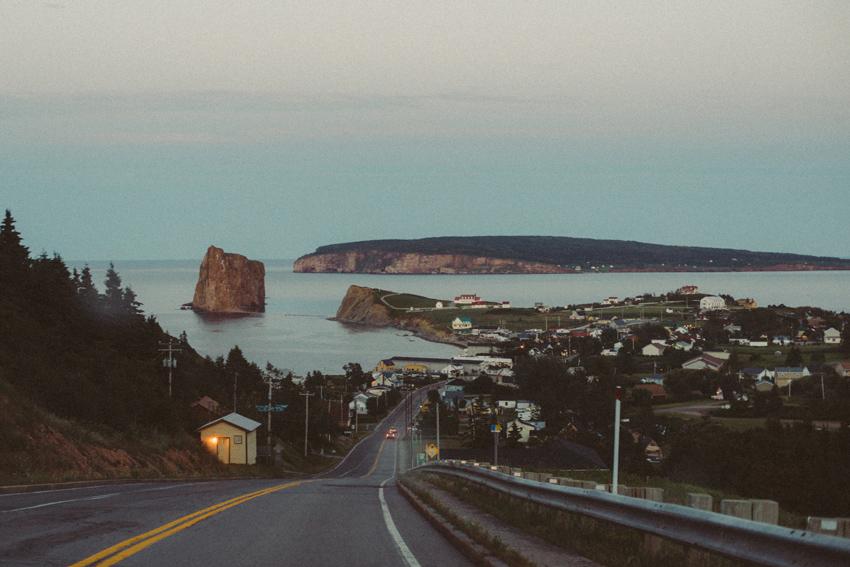 gaspesie-quebec-canada-percé-île-island-bonaventure-ville-route-coucher-de-soleil-sunset-vue-photo