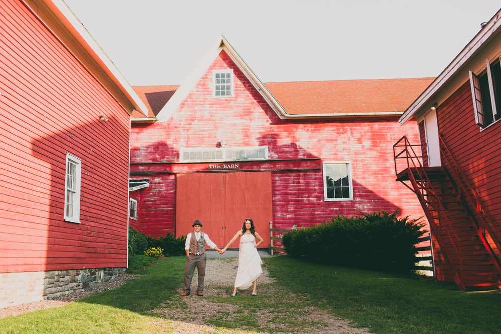 Fallbrook Barn | Oswego New York portrait