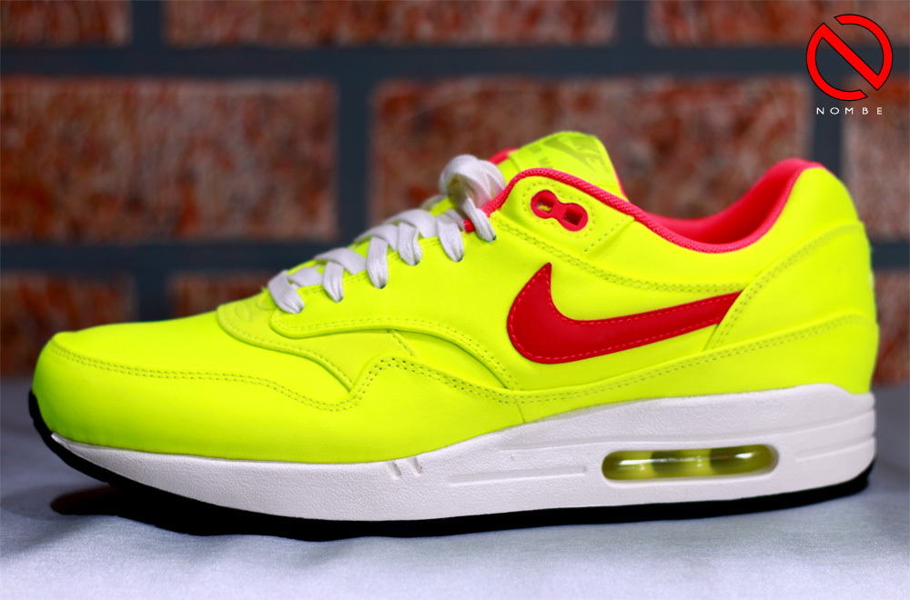 Color:  Premium Volt/Hyper Punch-Ivory   Style Code:   665873-700    Release Date:  May 22, 2014   Price:  $125