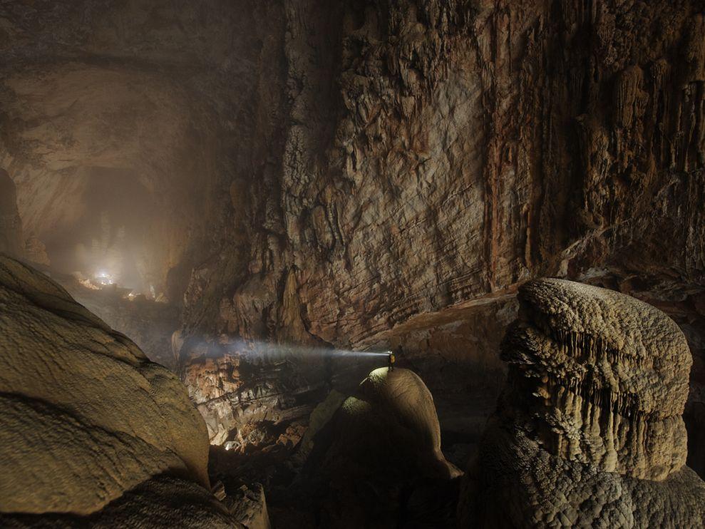 hang-son-doong-cave-vietnam-carsten-peter-02.jpg