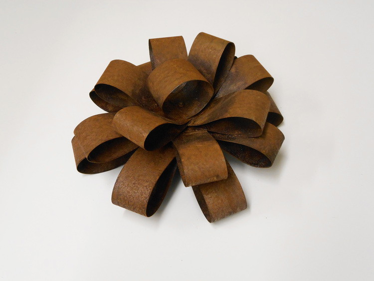 Infinite gift bows tyler willis these pieces seek to reinterpret an archetype the gift bow a once ephemeral object negle Gallery