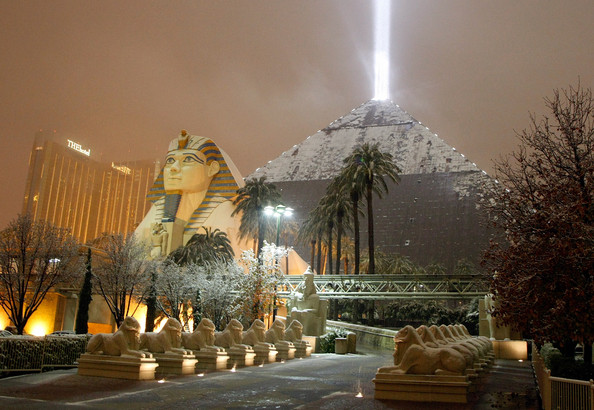 Snow on the Luxor courtesy of http://www.zimbio.com/pictures/QP5mZimf9aD/Winter+Storm+Dumps+Snow+Las+Vegas/u1PbshJjjDu