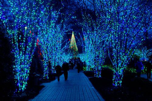 Classiclasvegasblog 2014 las vegas holiday lights displays for Holiday light spectacular atlanta motor speedway