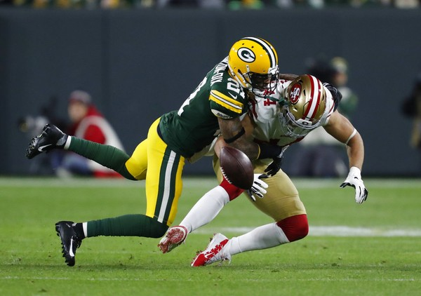 49ers-packers-football-c8d4553a0fd6f99c.jpg
