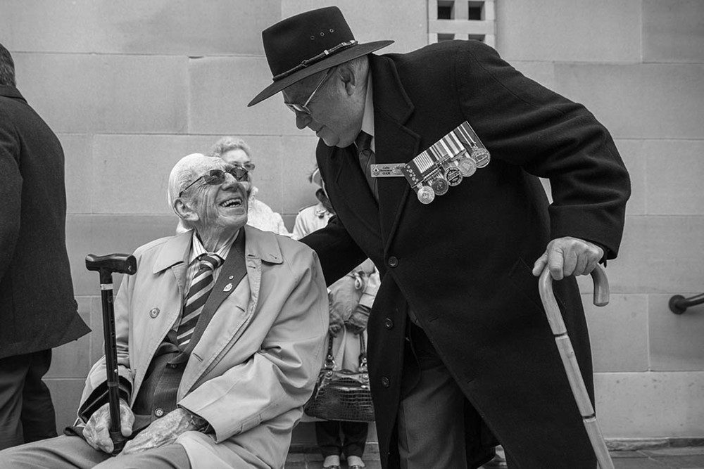 Colin Berryman OAM (r) shares a joke with WW2 veteran Ron Metcalfe.