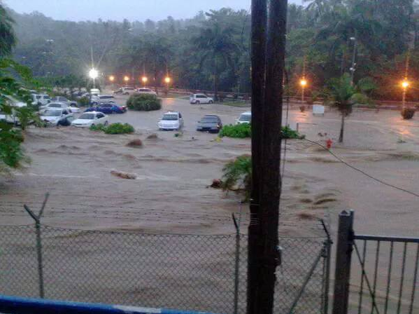Devastating flooding has occurred today on the island of Dominica leading to 4 deaths.
