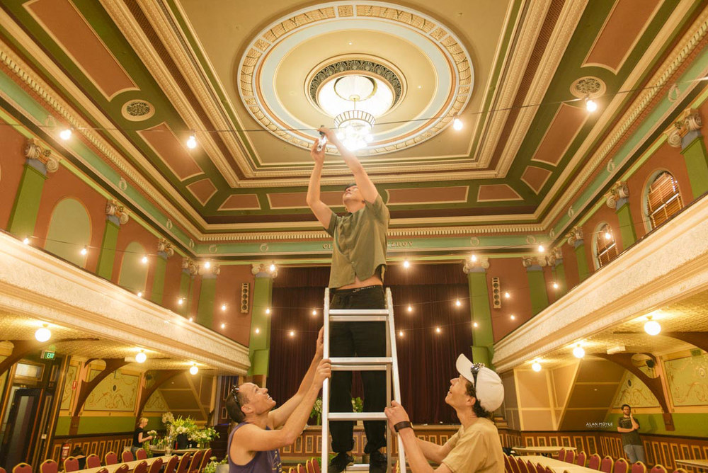 1401wu-006fitzroy_town_hall_wedding_setup_decoration_design_photobat_alan_moyle.jpg