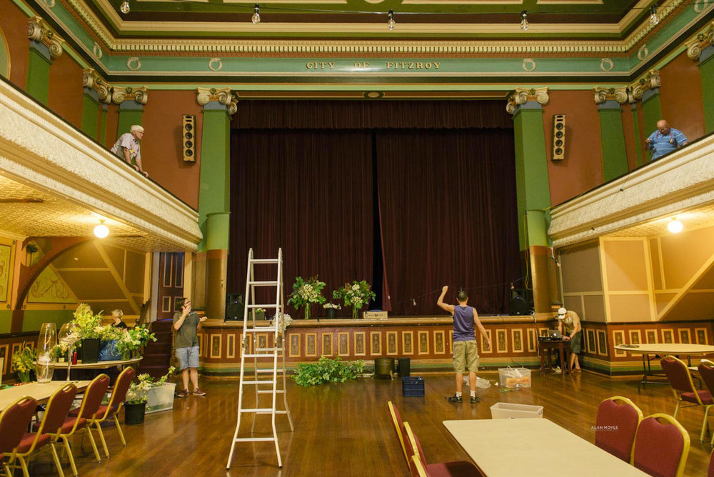 1401wu-003fitzroy_town_hall_wedding_setup_decoration_design_photobat_alan_moyle.jpg