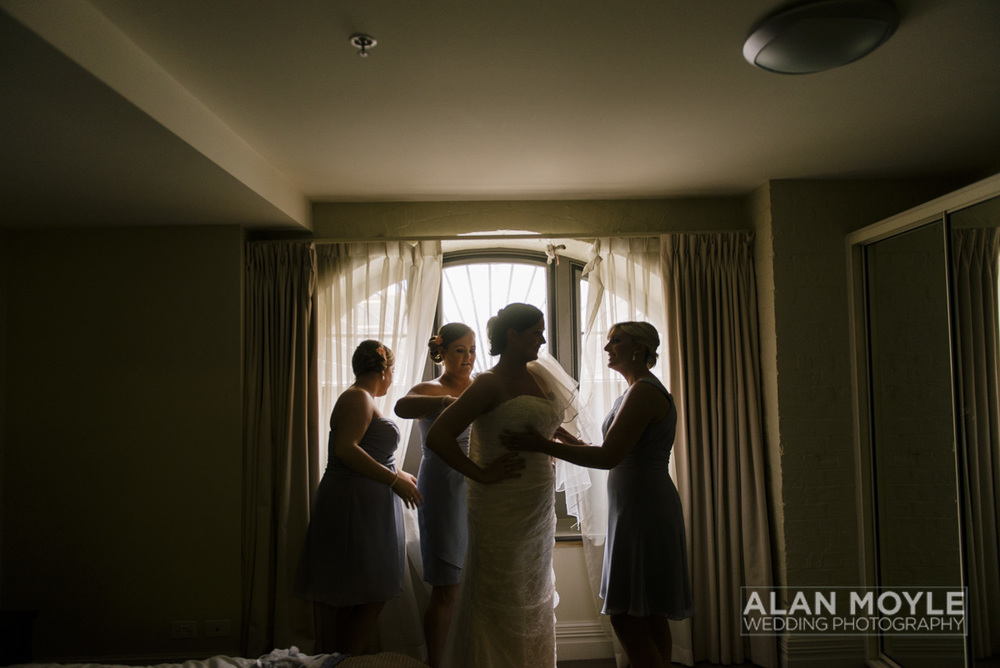 1401gray-062_wedding_tasmania_quamby_bride_groom_ideas_destination_launceston_alan_moyle_photobat_moments_story_phantom_details_bayside.jpg