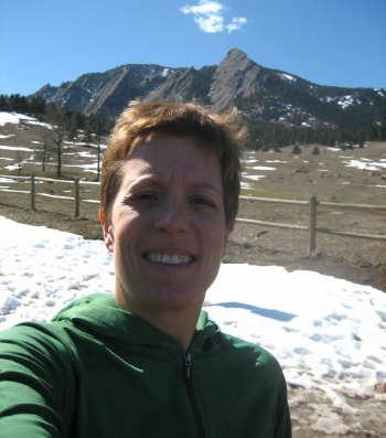 N ot much combing happening with this hairdo in 2006. Flatirons, Boulder, CO. Noselfies of me with my comb.
