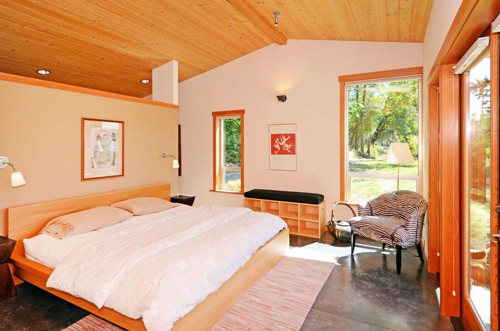 Moji-M.Bedroom.jpg