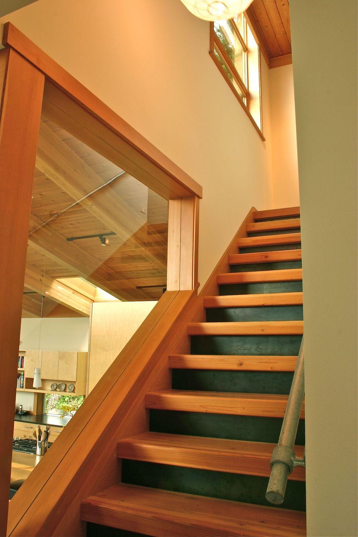 Moji-Stair w: Steel Plate Risers.jpg