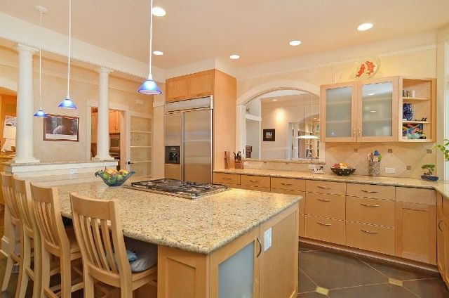 Pleasant Beach - Kitchen.jpg