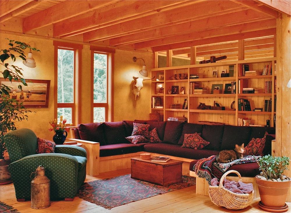 Hyla - LR:Couch.jpg