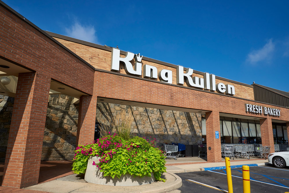 Sunset Plaza King Kullen 2.jpg
