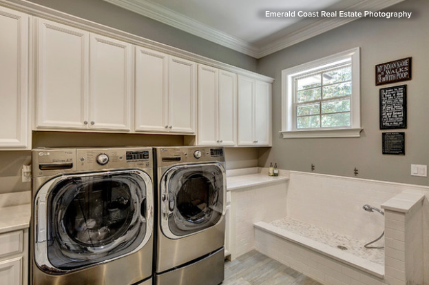 The Dream Of Having A Large Dog Washing Area In A Mudroomu2013laundry Room Is  Something Any Pet Owner Can Get Behind. Here A Raised Platform And A Faucet  Get ...