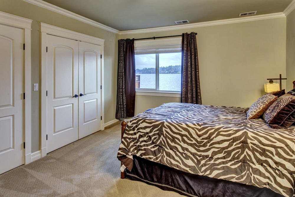 Bedroom01internet.jpg