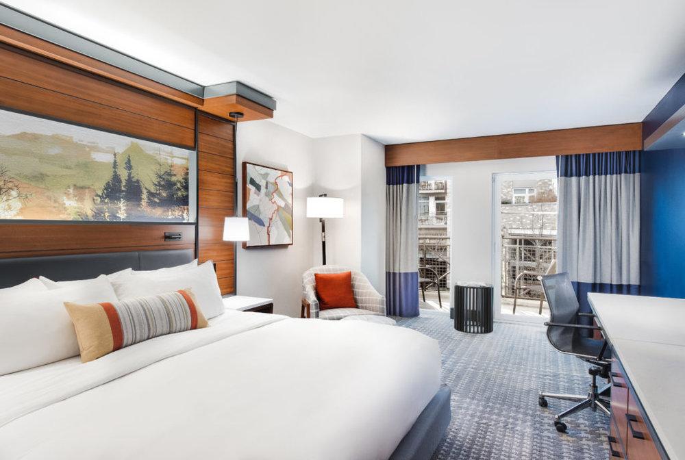 Guestroom interior | The Heathman Kirkland | Image by KIPMAN Creative